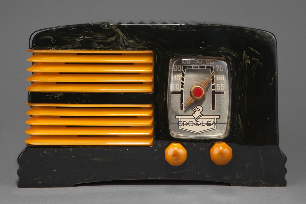 Crosley G1465 Catalin Radio 'Split-Grille' - Black + Butterscotch